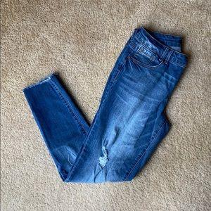 1822 Denim Jeans - 1822 Raw hem distressed denim